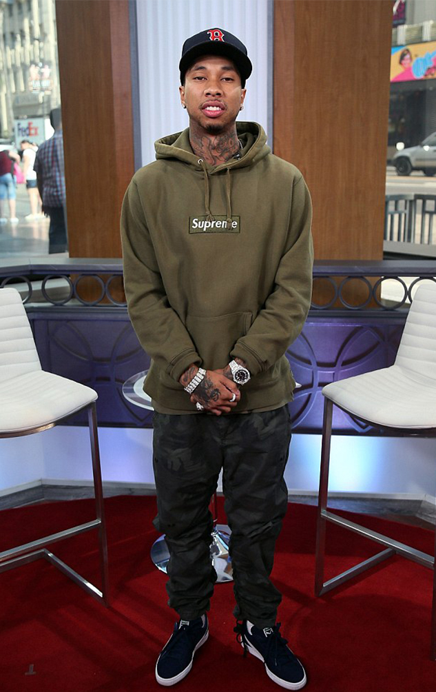 style sector  how to wear supreme celebrity edition
