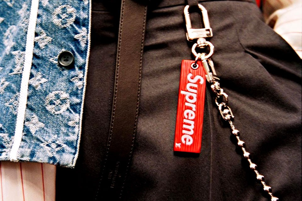 keychain-lv-supreme-chris-01-960x640
