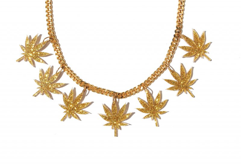 GOLD_multi_chronic_ganja_leaf_chain_reshmabchains_2
