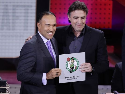 636305661822121059-AP-DRAFT-LOTTERY-BASKETBALL-90949066