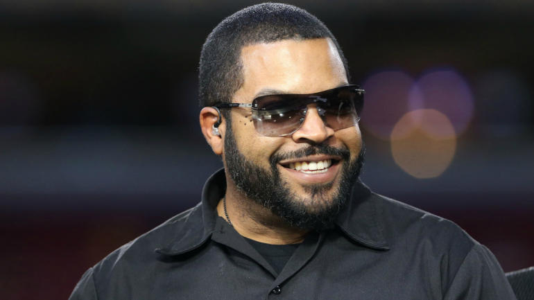 ice cube will be inducted into hollywood walk of fame
