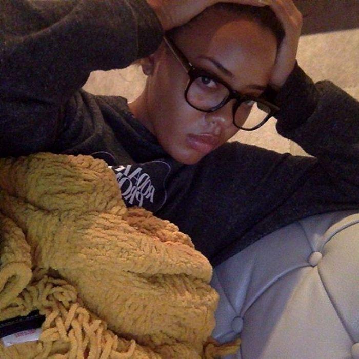 instagram-angelasimmons-Stuck-indoors-like-lol