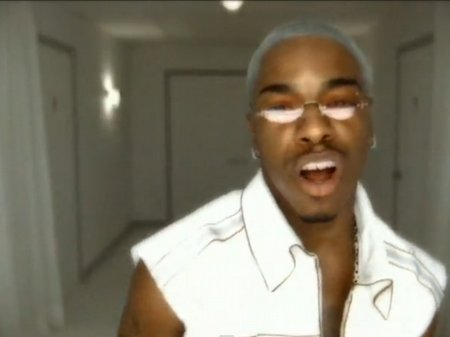 Sisqo unleashes new 'Thong Song'