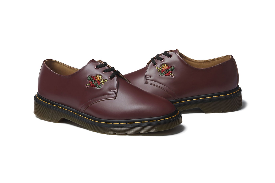 http-hypebeast.comimage201708supreme-dr-martens-2017-fall-winter-sacred-heart-6