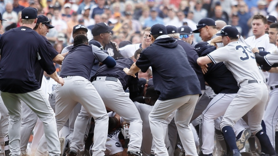 Sanchez, Romine suspended after Yankees-Tigers brawl