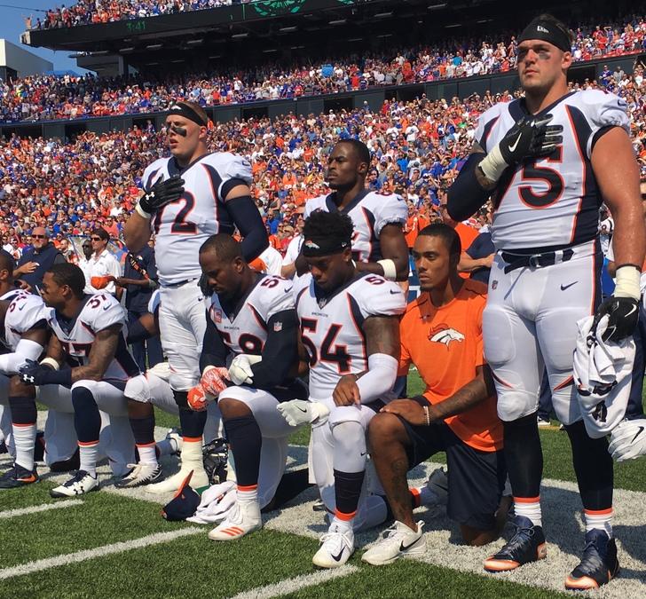 Broncos kneeling   ver