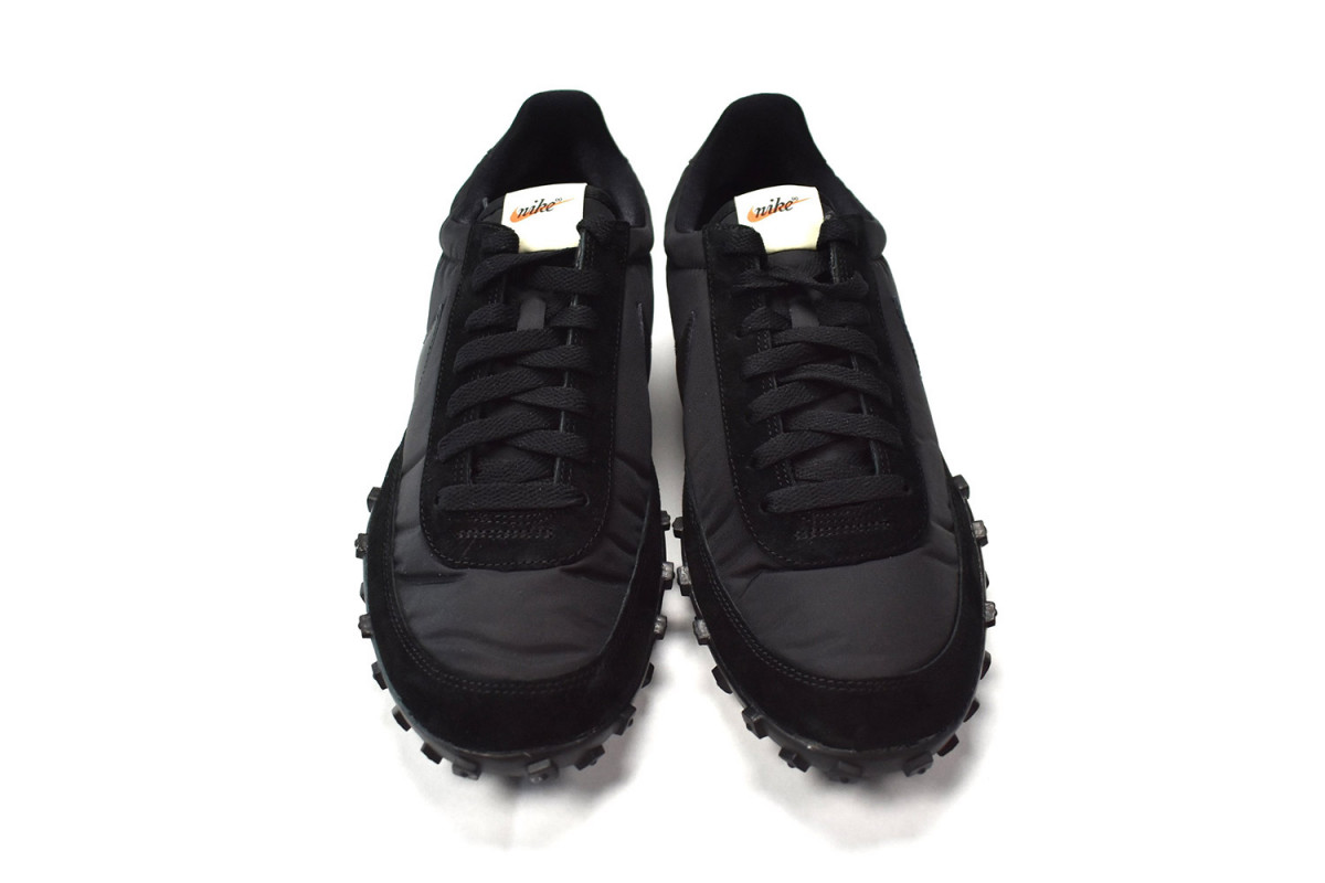 comme-des-garcons-nike-waffle-racer-02-1200x800