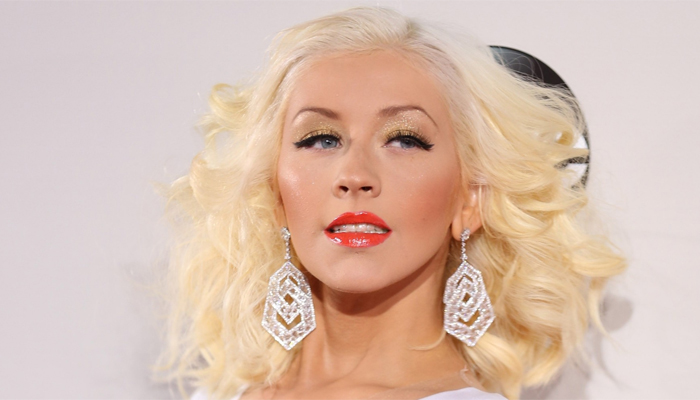 Christina Aguilera to Pay Tribute to Whitney Houston & 'The Bodyguard' at American Music Awards