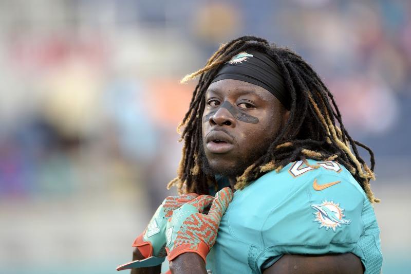NFL Trade Deadline, Eagles Land Big Dolphin