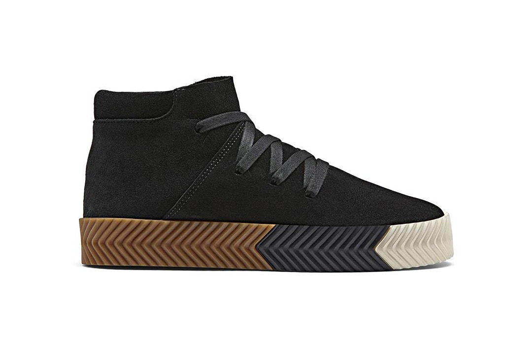 http---hypebeast.com-image-2017-10-alexander-wang-adidas-upcoming-footwear-drop-another-look-5