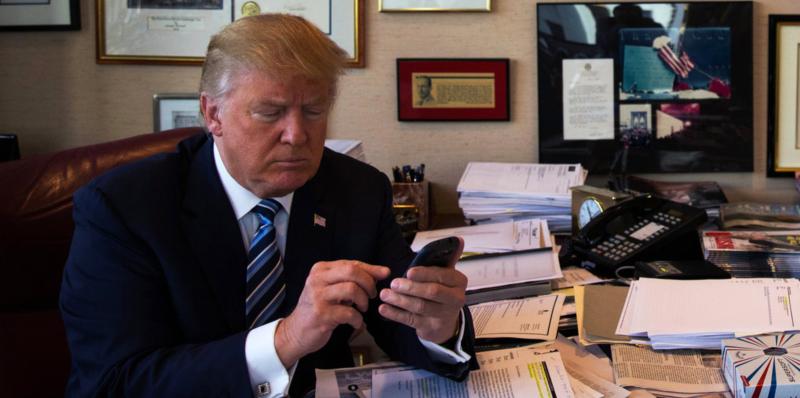 DonaldTrump'sTwitterWasDeactivatedforMinutes