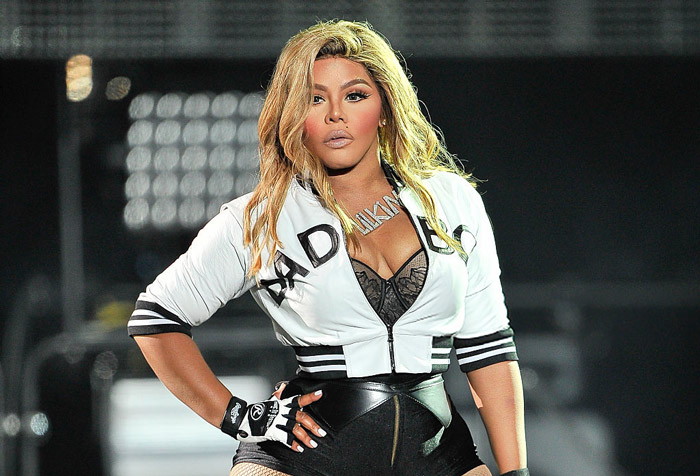 "Lil Kim on Unity: ""You Don't Come in the Game Disrespecting Your Idols"""