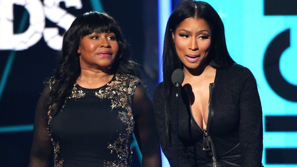 Nicki Minaj Supports Her Mother by Visiting Brother in Jail