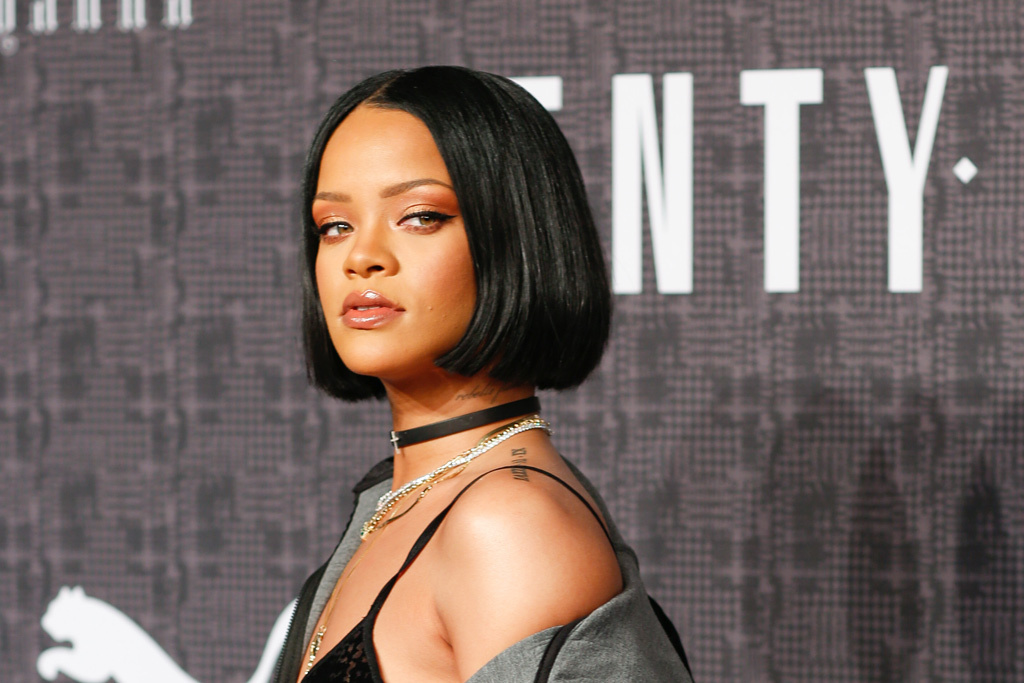 Rihanna'sUncleGetsCaughtSellingPumaKnock offs