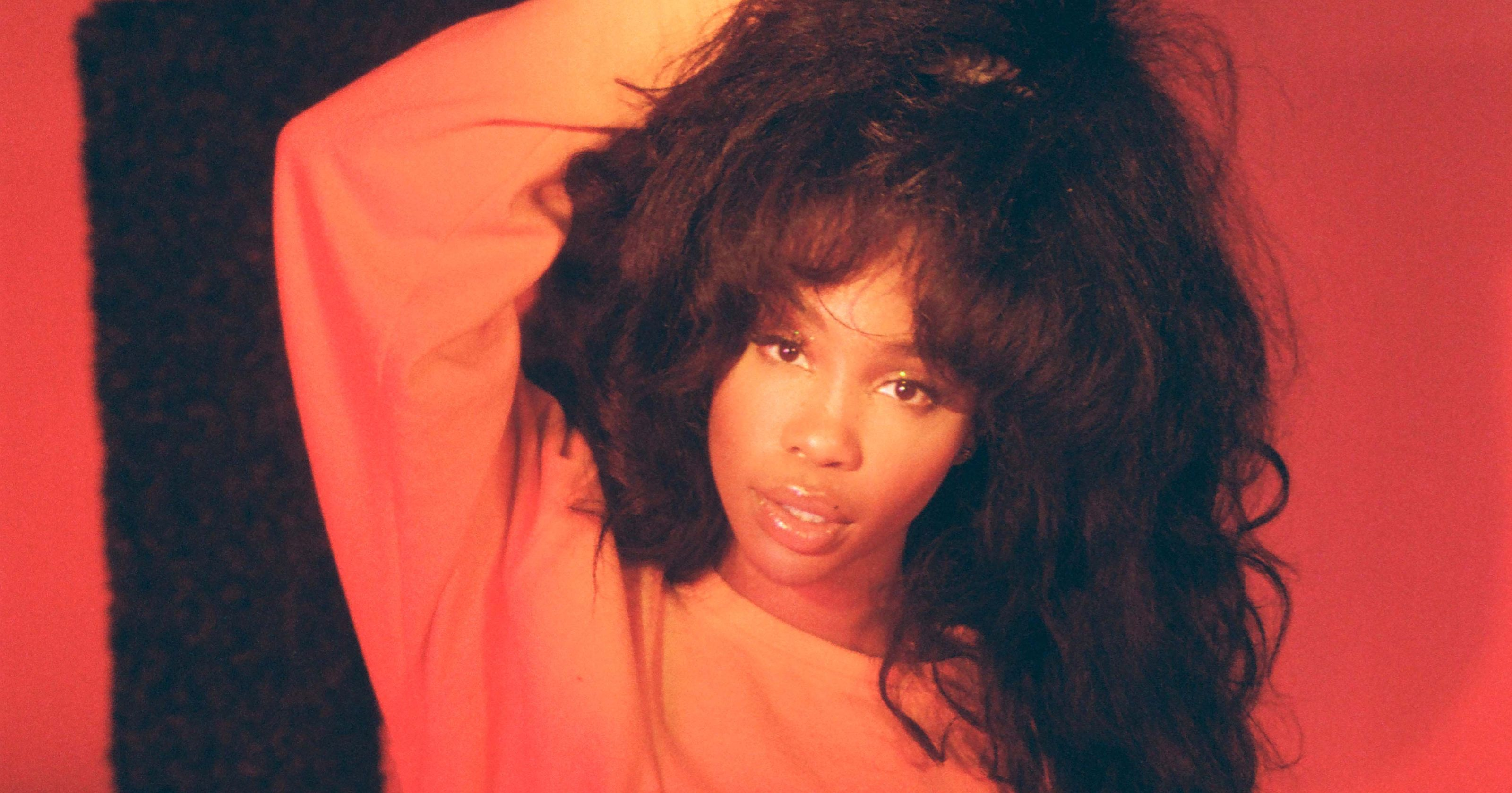 "SZA Drops Video Teaser for Hit Song ""The Weekend"""