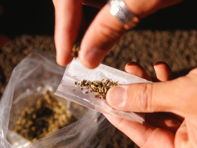 weed marijuana roll