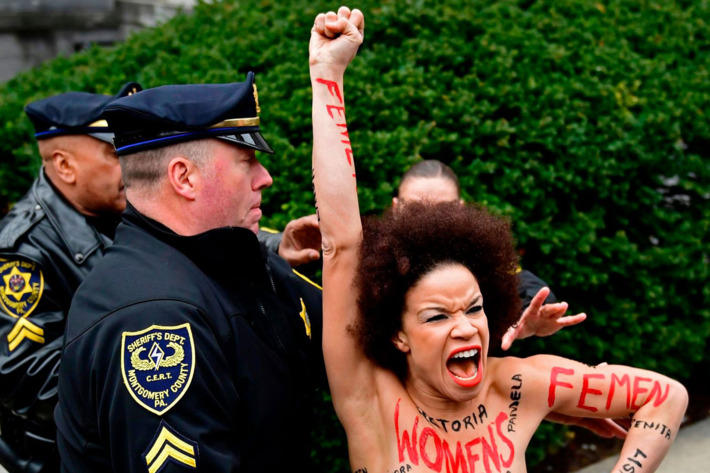 cosby trial protester