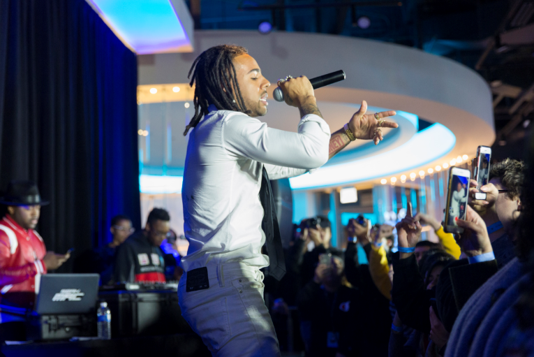 Vic Mensa Performs at Hometown Chicago AT&T Flagship Store   The Source