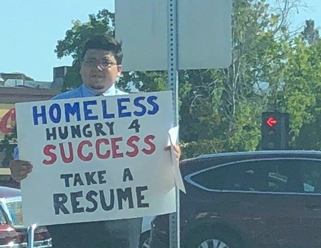 HomelessCollegeGradLandsOverJobOffersAfterViralPhoto