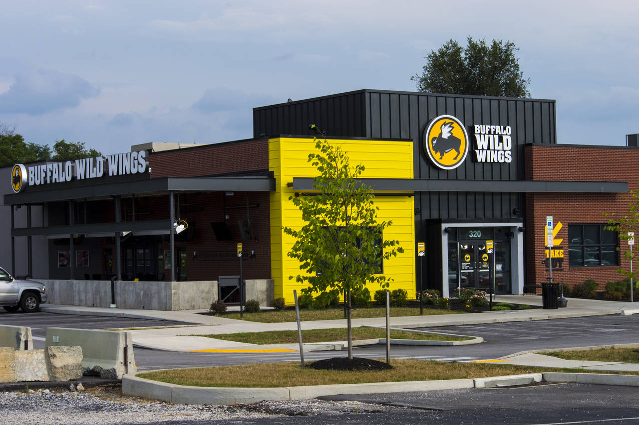 Buffalo Wild Wings Wants in On Sports Betting