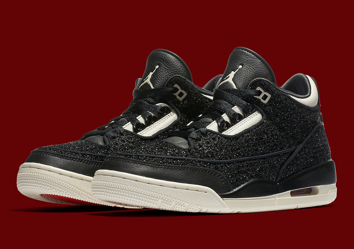 """size 40 da514 27178 Check out both the red and black versions of the Vogue x Air Jordan 3  """"AWOK"""" below, and expect them to arrive next week Friday (September 7)  exclusively in ..."""