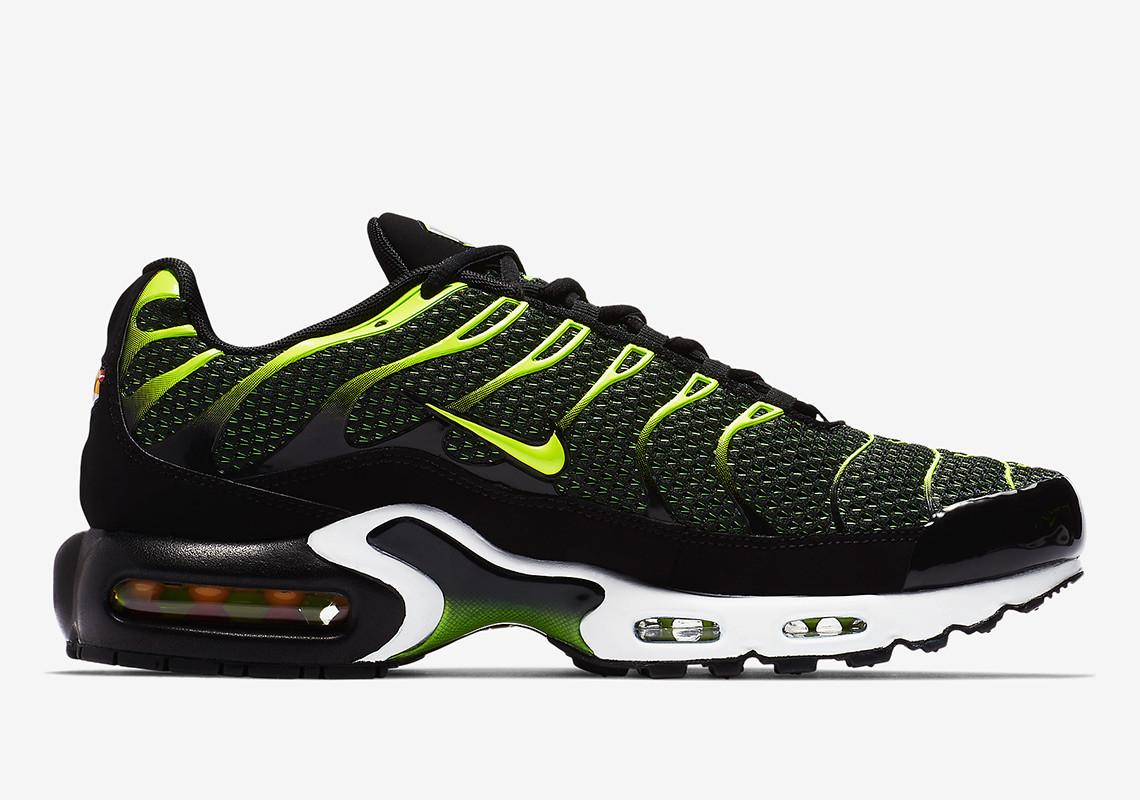 en stock f7a85 8dd40 Shop Now: Nike Air Max Plus