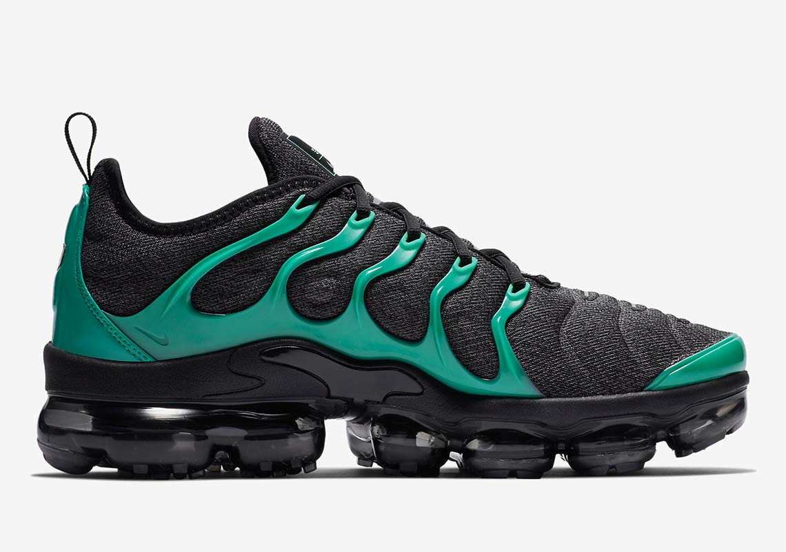 half off d9ff1 95202 This Nike Vapormax Plus Was Definitely Made With Eagles Fans ...