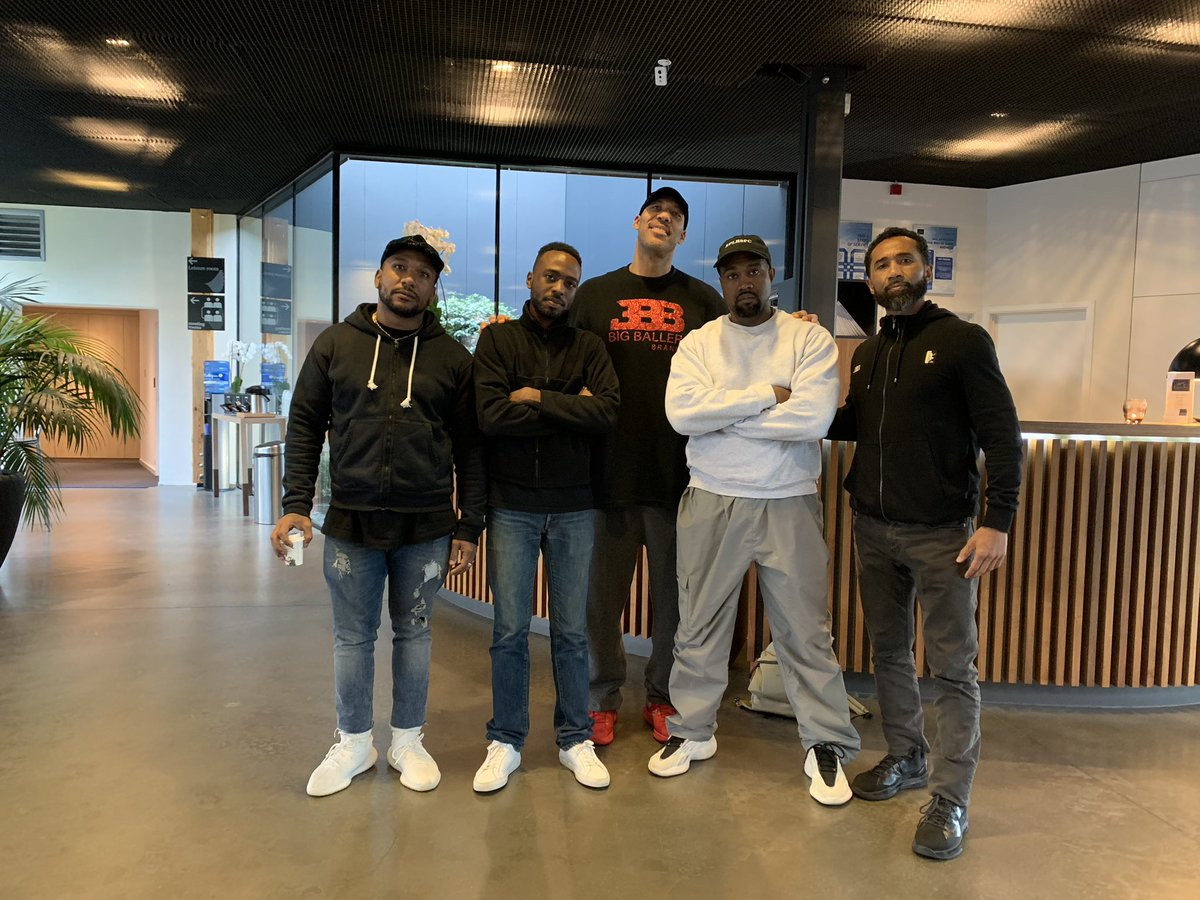 Kanye West Hangs Out With Fellow Egomaniac LaVar Ball