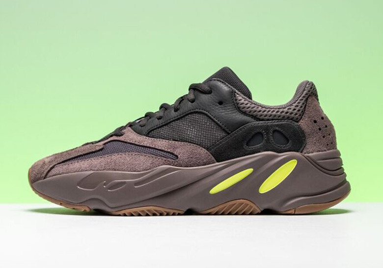 Adidas Yeezy Boost 700 Mauve Gates Street Heat