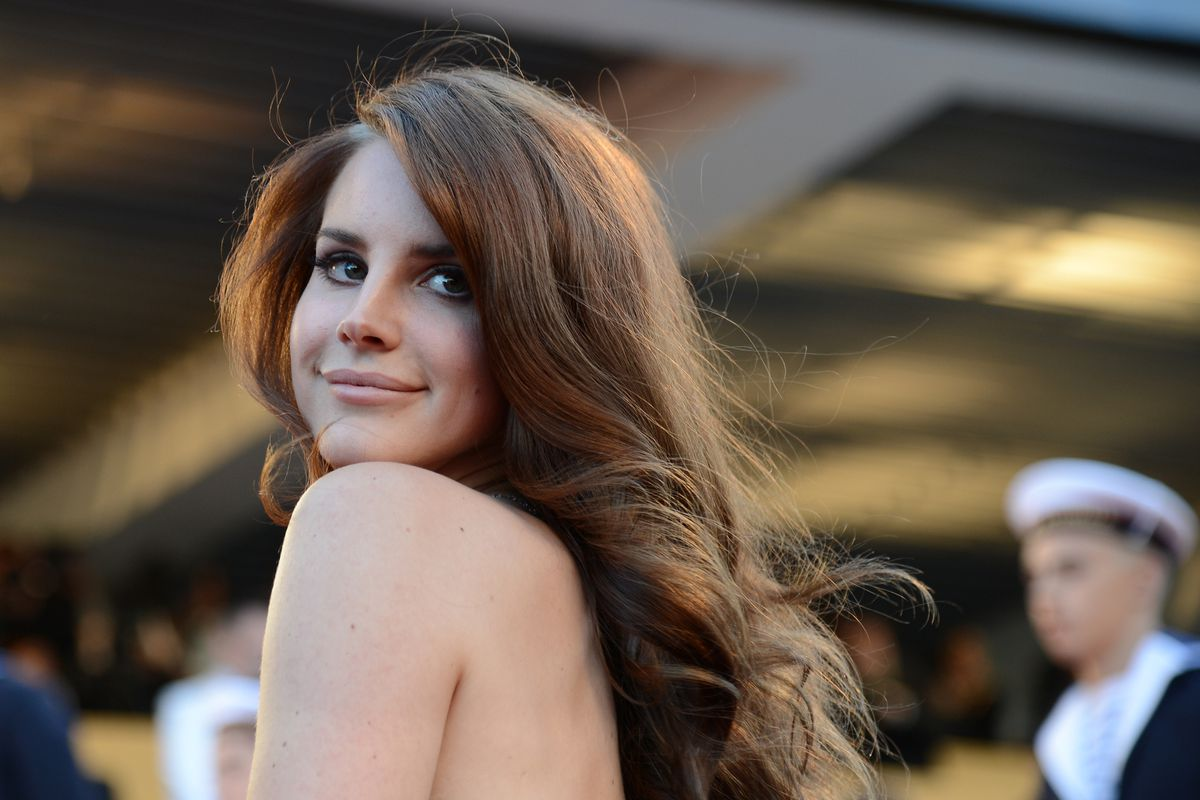 Lana Del Rey Tells Azealia Banks to 'Pull Up' After Twitter Attack