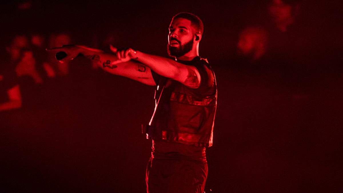 Lil Wayne, DJ Khaled, Bad Bunny Make Guest Appearances at Drake's Miami Show