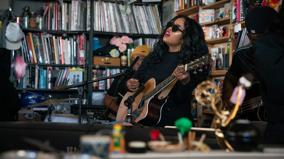 H.E.R. Performs 'Focus' and More on NPR Tiny Desk Concert
