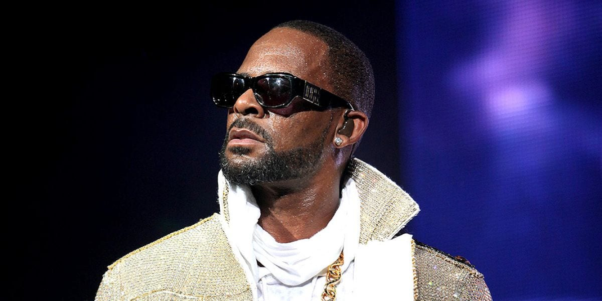 R. Kelly's Manger is Reportedly Accused of Threatening Parents Involved With 'Surviving R. Kelly'