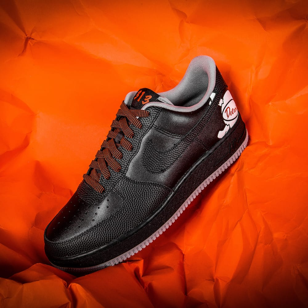 new concept 8df63 59aff ... help launch the two Air Force 1 iterations included in this set, which  is also a nice promotional tool for the recently-launched Foot Locker Power  Store ...