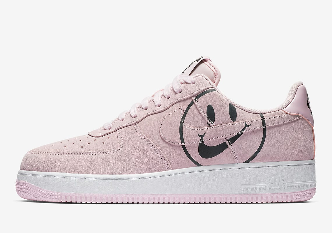 brand new 7072a 9909e The AF1 colorways in this roundup include one classic white option and a  slightly more colorful pale pink iteration. Both utilize smiley face motifs  that ...