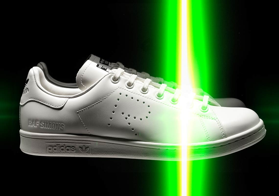"""new arrival 55279 1cca9 Raf Simons and adidas Head to Paris Fashion Week Men s to Unveil """"Trompe  l oeil"""" Collection"""