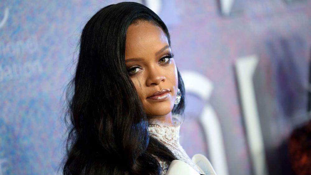 Unofficial Rihanna Album Surfaces on Apple Music