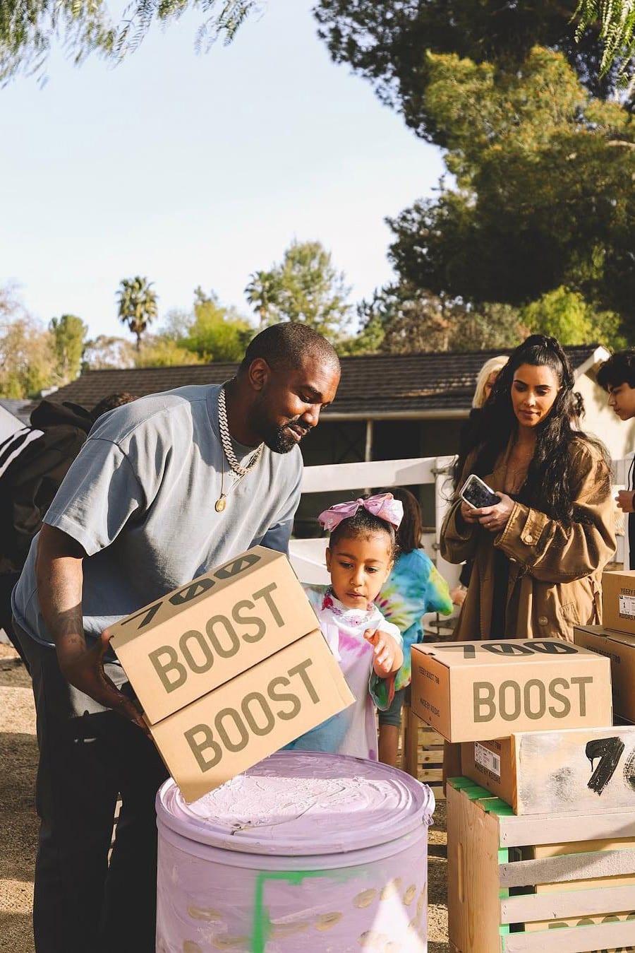 515ebb1d4e893 Kanye West Sets Up YEEZY