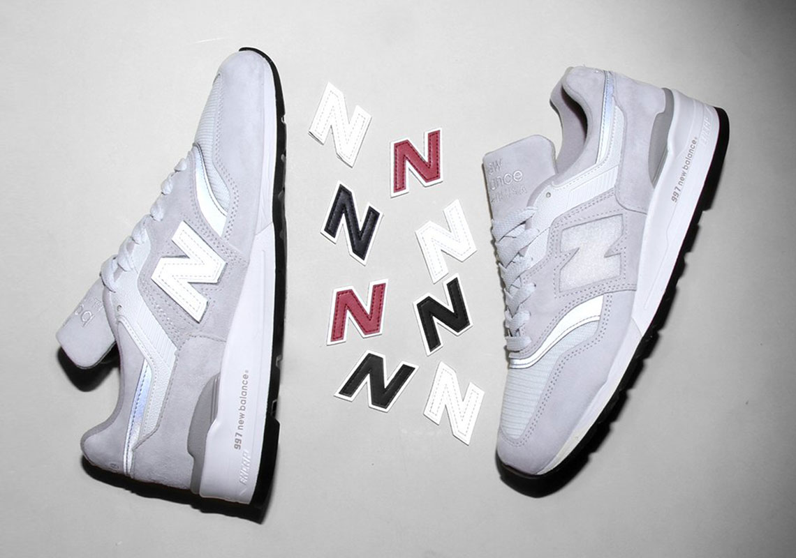 new balance  interchangeable n logo