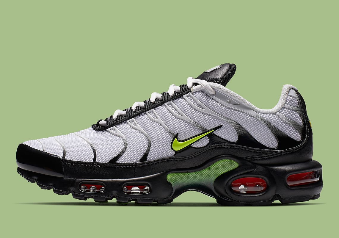 purchase cheap 02969 28d1c This Nike Air Max Plus Is Vibrant, Volt & White Hot All In ...