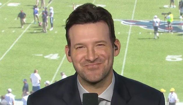 Source Sports Tony Romo Wants 10 Million A Year To Continue To Be Cbs Tops Nfl Commentator