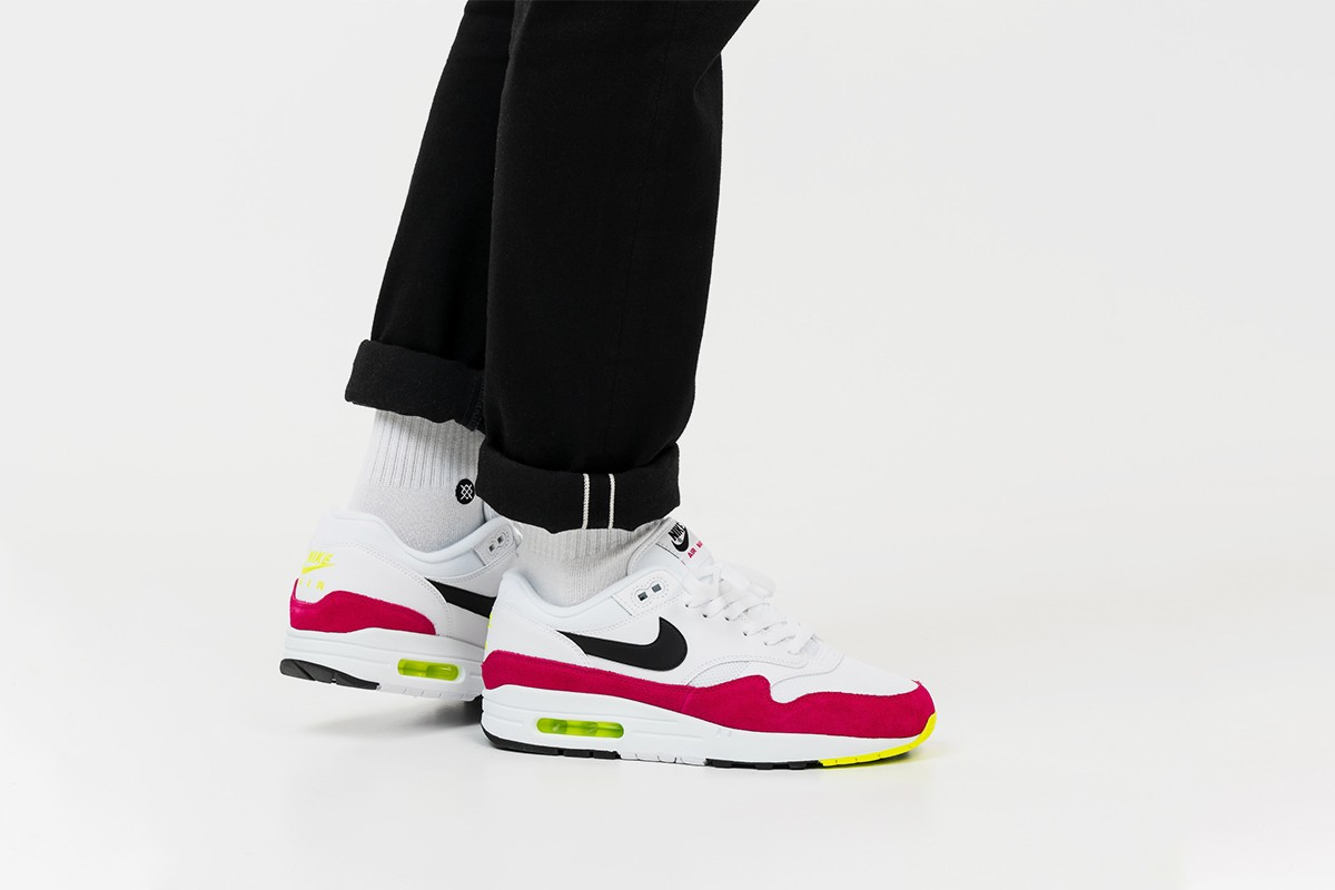 nouveau produit 233ff ea27c Can't Beat a Classic: The Nike Air Max 1 Arrives in Four New ...