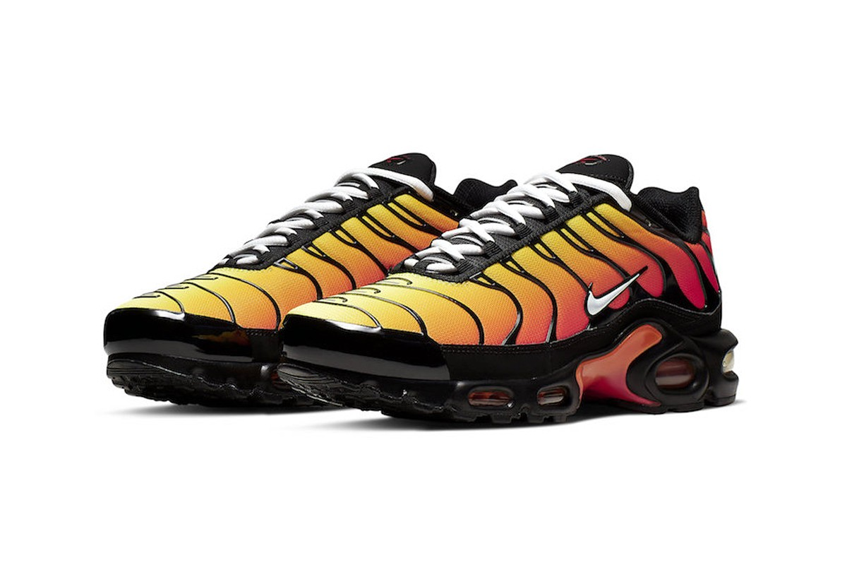 "8f906113822 The Nike Air Max Plus ""Tiger"" will retail for  160 USD at select retailers and  Nike.com in the coming weeks. Get a closer look below in the meantime"