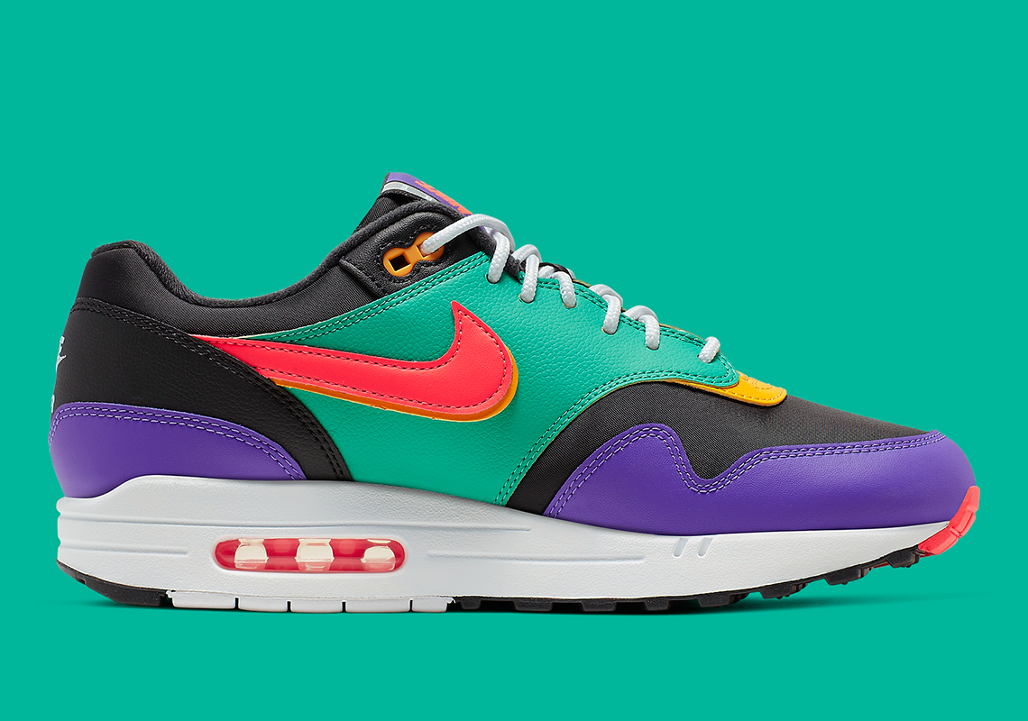 6d3ce31928e0df Now, Nike is reaching into its own vault to bring us an iteration of the Air  Max 1 that reworks the classic windbreaker style of the '80s and '90s.