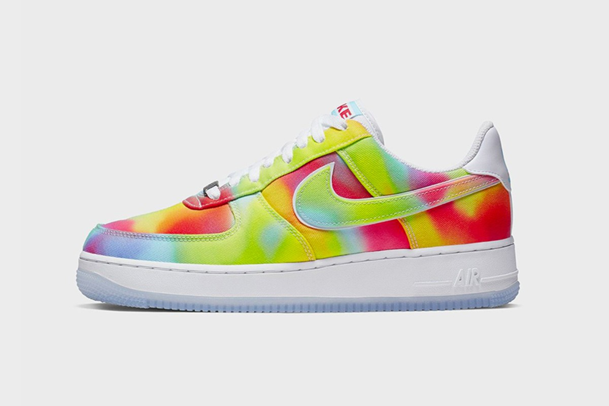 nike tie dye sneaker pack chicago