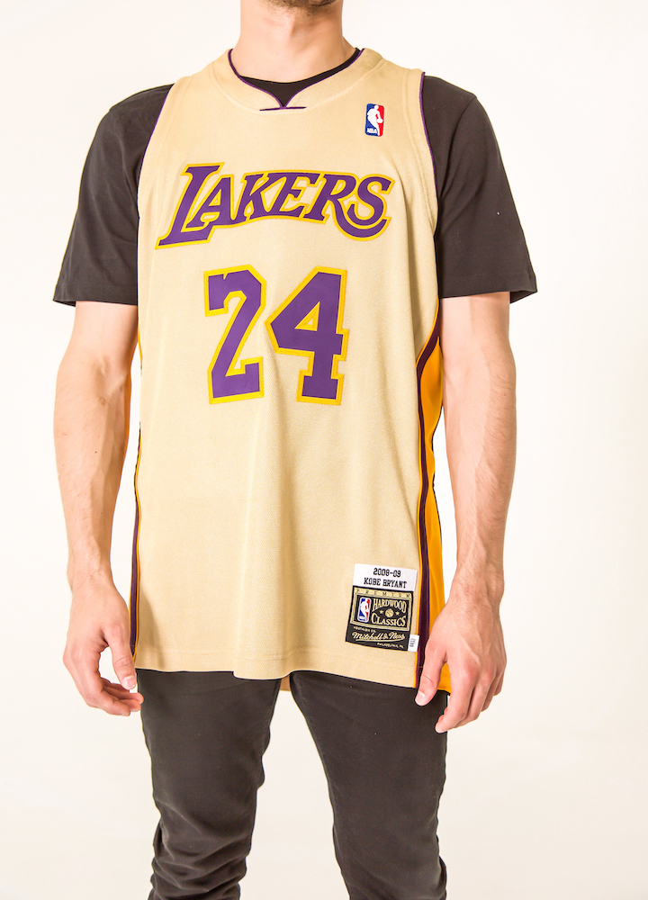 classic fit 7269b 2aef9 Mitchell & Ness Drop a Gold 08–09 Lakers Jersey For 'Kobe ...