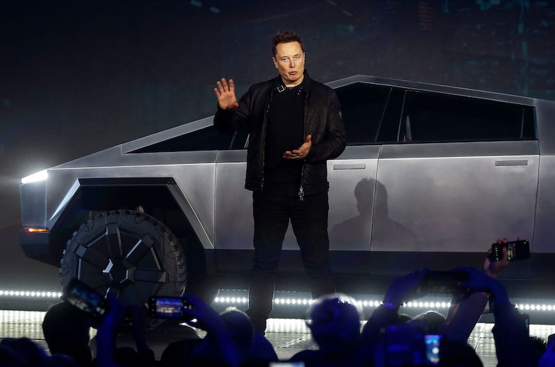Elon Musk Once Considered Selling Tesla to Apple, But Tim Cook Refused to Meet With Him