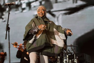 Lauryn Hill Responds to Her Daughter's Claims That She 'Beat Her Like a Slave'