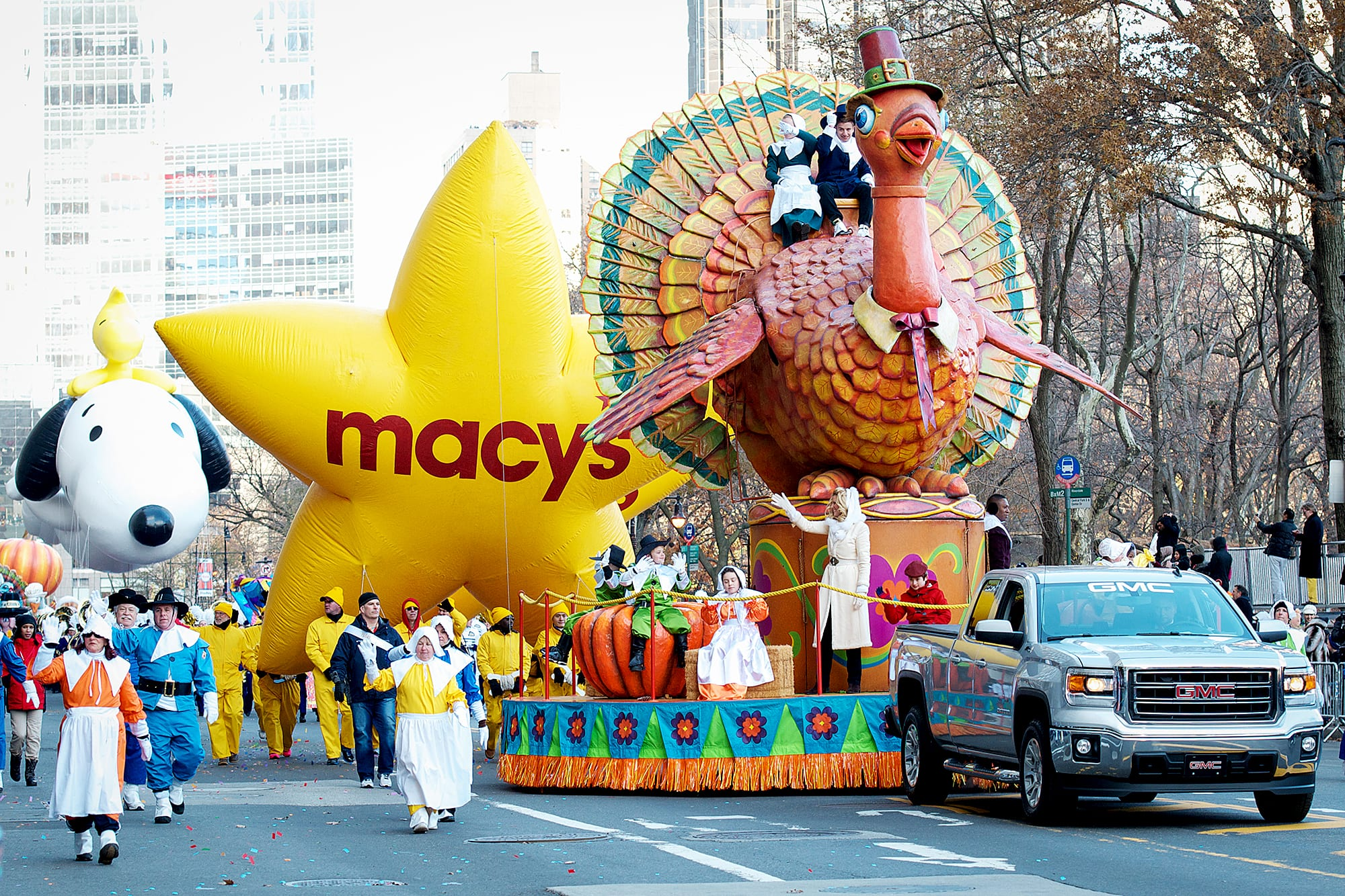TLC, Kelly Rowland, Ozuna & More to Attend Macy's Thanksgiving Day Parade