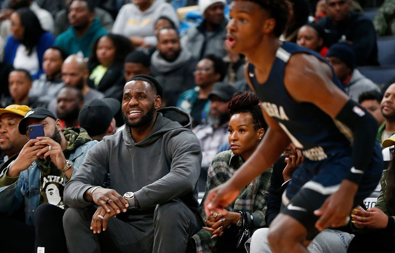 Bronny James Refers to Steph Curry as His Dad in Hilarious Instagram Live